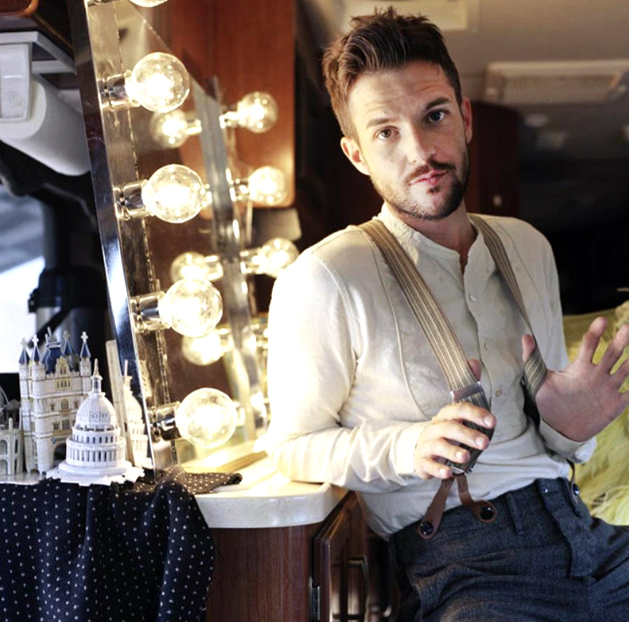 Brandon Flowers Men's Short Hairstyle